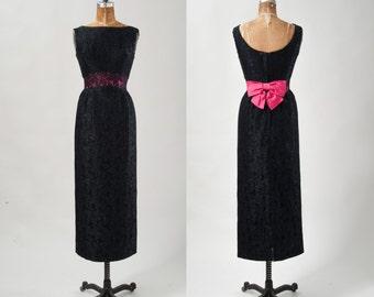 Audrey Hepburn Black Lace Evening Gown, Vintage Lace Column Dress, Empire Waist wi Fuchsia Bow Formal Party Dress