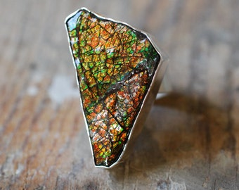 Dragon Skin Ring Red Ammolite