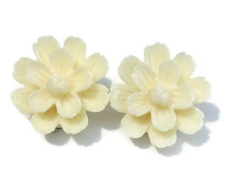 Cream Spring Dahlia Flower Clip On Earrings