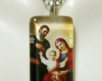 The Holy Family pendant with chain - GP09-072