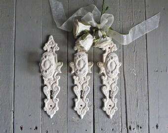 Shabby Cottage Hooks, Ornate Hooks, Vintage Inspired, Fancy Knobs, Towel Coat Hook, Ivory Hooks, Home Decor, French Cottage, Paris Apartment
