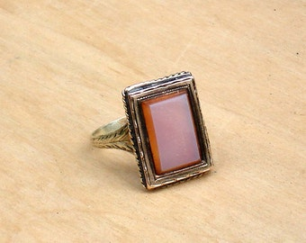 Antique Sardonyx 14k Gold Signet Ring ~ Size 6.25