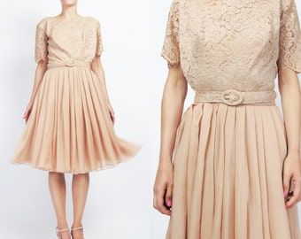 1960s Lace Party Dress Chiffon Evening Dress Blush Nude Sheer Lace 1960s Cocktail Dress Pleated Full Skirt Short Sleeve Formal (M/L) E704