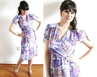 1970s Dress / 70s Floral Dress / 1970s Purple Dress