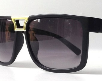vintage 1990's NOS matte black wayfarer sunglasses womens men fashion accessories accessory sun glasses retro modern gold purple lens square