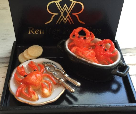 SALE Miniature Crab Pot Set by Reutter, Dollhouse Miniatures, 1:12 Scale, Dollhouse Food, Miniature Food, Miniature Pot, Kitchen Decor