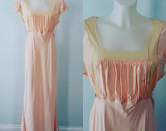 Vintage 1940s Nightgown, Vintage Victorian Style Nightgown, Peach Nightgown, Vintage Nightgown, Vintage Nightgowns, 1940s