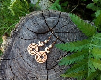 Spiral copper earrings with pearls