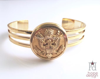 Vintage WWII US Army button on gold-filled cuff bracelet // 21655