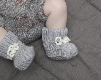 Knitted Baby Booties Baby shower gift New Baby gift Baby boots Stay on Booties