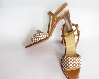 Vintage 1970s 1980s Brown and Ivory Leather Sandals /70s 80s Basketweave Open Toe High Heel Shoes Florsheim / 6N