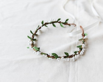 white & green berry leaf hair wreath // bridal wedding flower crown headband rustic forest garden spring woodland headpiece