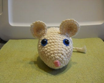 Amigurumi Mouse , Cream Color Mouse, Child's Toy Mouse, Stuffed Mouse, Crochet Mouse Toy, Small Animal Mouse, Soft Crochet Mouse Toy, Gift
