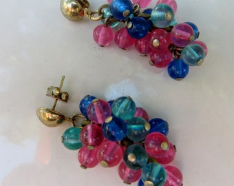 Cluster Waterfall Vintage Pierced Earrings in Blues and Pinks Beaded Earrings Vintage Beaded Fun Earrings