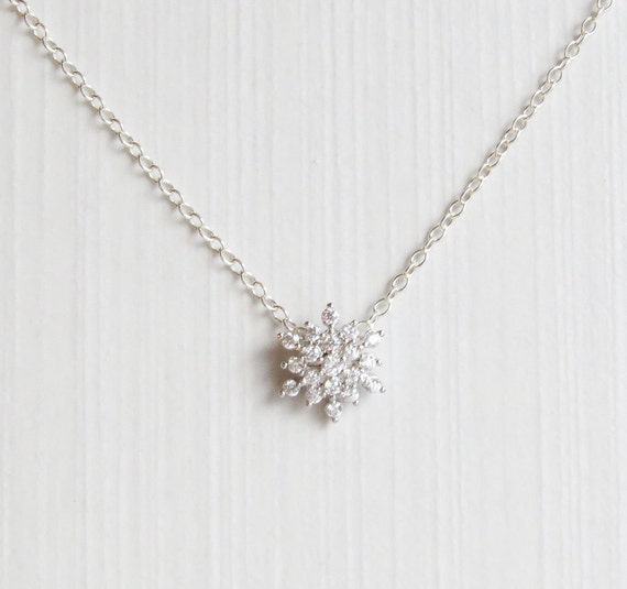 Snowflake Necklace | Silver Snowflake | Winter Wedding | Snowflake Jewelry | Gift for her | Bridesmaids Gift | Winter Necklace