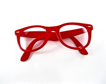 Ray-Ban Wayfarer 1st generation in red. RARE color 1950s vintage sunglass frames. B&L 50-22 mens unisex size.