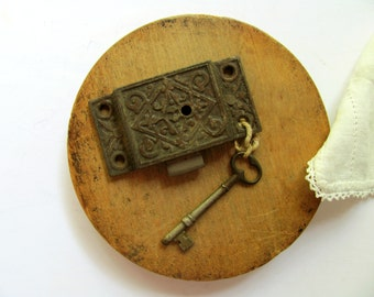 Vintage Eastlake Lock and Key Double Sided Bar Lock Original Skeleton Key Flush Mount Cast Iron Hardware Door Cabinet Drawer Cupboard Trunk