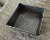 Large size Square VINTAGE WILLOW cake tin. Made in Australia by WILLOW. Vintage French kitchen.