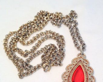 Vintage Avon Gold Tone Necklace