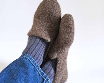Mens Slippers / Boyfriend Gift / Wool Felted Slippers for Men - The Adrian - Gray / Black / Blue / Brown / Color of Choice / Houseshoe