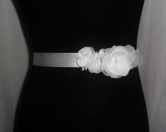 Bridal Sash, Wedding Accessory, Floral Bridal Sash, Vintage Style Sash, Lace & Floral Sash, White/Ivory/Champagne/YOUR CHOICE COLOR, Sash