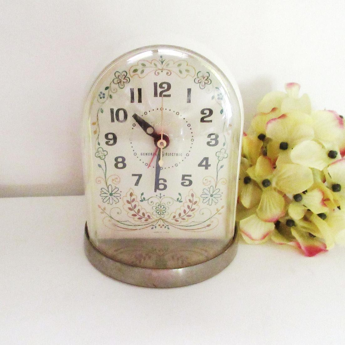 Vintage General Electric Clock Alarm Clock Bedside Clock