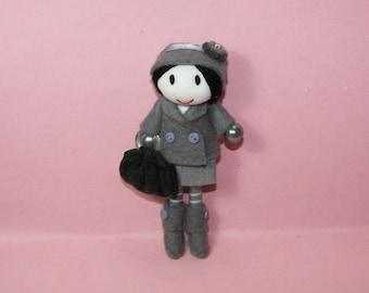 Handmade Doll Pin Brooch Pendentif Pendant Miniature Doll Dollhouse Grey Suit Doll Tiny Doll Collection Miniature Felt Purse Handbag Hat