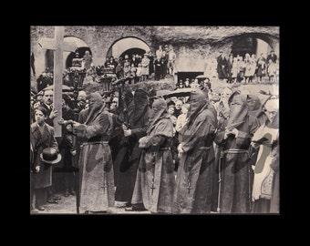 Creepy Misericordia Procession photo / Hooded Monks / Italy / 1930s