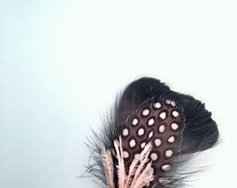 Feather Boutonniere - Feather Lapel Pin - Rustic Buttonhole - Woodland Wedding Boutonniere - Natural Pin - Mens Buttonholes - Modern Wedding