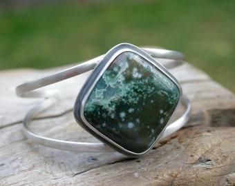 Dark Green Ocean Jasper Cuff in Sterling Silver. Medium to Large size. Silversmith metalwork cuff bracelet. Handmade.