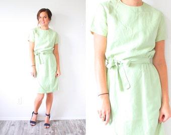 Vintage 50's light green mod dress // body con wiggle 1950's dress // modest dress // light green 60's dress // short sleeve modest dress