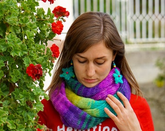 Mohair green, blue, turquoise, violet, yellow, purple snood, shawl, scarf, neckwarmer with flowery earrings