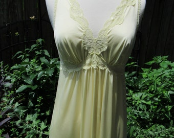 Gorgeous Vintage Long 70s Pale Butter Yellow Nightgown Lingerie with Lace Bodice / 1970s Nylon Sleepwear Night Gown by Shadowline / Small