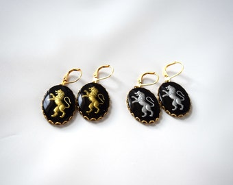 Black Lion Intaglio Earrings, Vintage Intaglio, Black Cameo Jewelry, Black and Gold, Mourning Jewelry, Victorian Morning Earrings, Glass