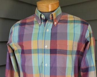 vintage 70's - 80's -Tom James- Men's long sleeve, button collar shirt. Pastel color Madras - Cotton. Medium