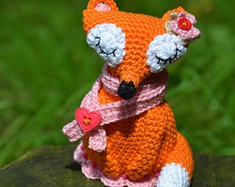 Crochet pattern - Lady Fox by VendulkaM - amigurumi/ crochet toy, digital pattern, DIY, pdf