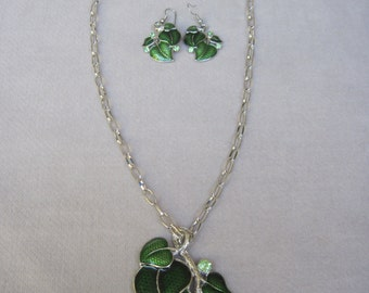 Modest Forest Green Ivy Leaves and Faceted Crystal Pendant with Earrings Set