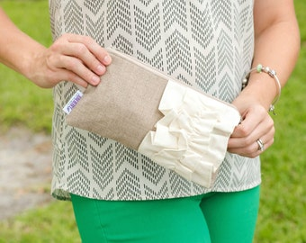 Bridal Clutch Bag - Bridesmaid Gift - Ruffle Wristlet