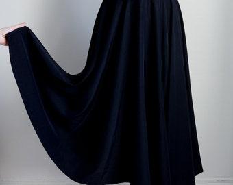 1940s Black rayon full sweep circle skirt