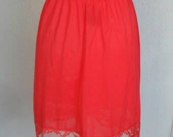 Vanity Fair Half Slip Vintage Red Lace Size Medium Short