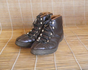 Vintage Lady's Brown Leather Lace Up Swiss Made Ankle Shoes Size EUR 37 / US Woman 6 1/2