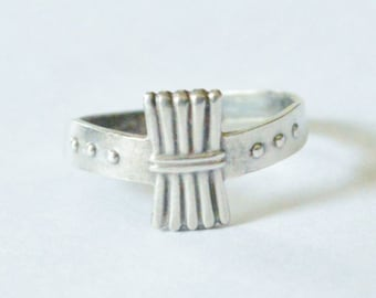 SALE Vintage Sterling Silver Modern Abstract Style Adjustable Size 8