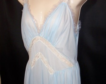 Size 38 - Vintage Nightgown - from Rogers Runproof - Nightie - Full length - Blue - Nylon Tricot