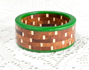 Vintage 1960s Wood and Green Lucite Bangle