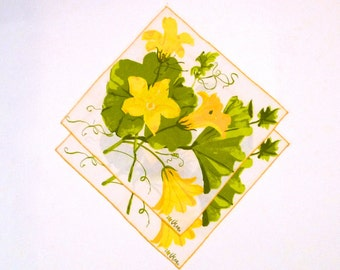 Vera napkin Vintage Vera Neumann Squash Blossom Cloth Napkins White with Yellow Flowers on Vine Napkin Signed Ladybug kitchen bar 1970s