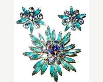 Judy Lee Brooch Earring Demi Set Aqua Blue Rhinestones Snowflake Design Gold Metal Vintage