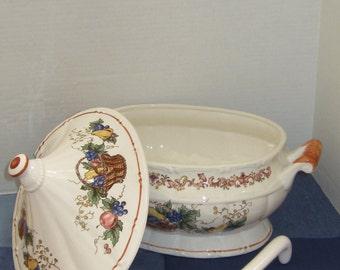Porcelain Soup Taureen