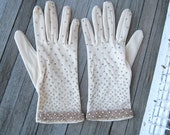 Short Cream Vintage Gloves with Gold Beads - Women's Small-Medium Tan Occasion/Event Gloves - Beaded Gloves; Goldtone Bead Cuffs