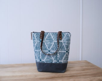 Zipper Tote Bag in Web with Waxed Canvas