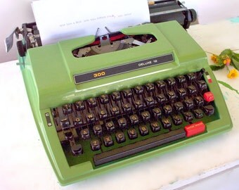 RETRO Kmart Portable Manual Typewriter GREEN 300 Deluxe 12 rebadged Brother 760 Vintage 1980 w. Case, Black Red   Ribbon Working Typewriter.
